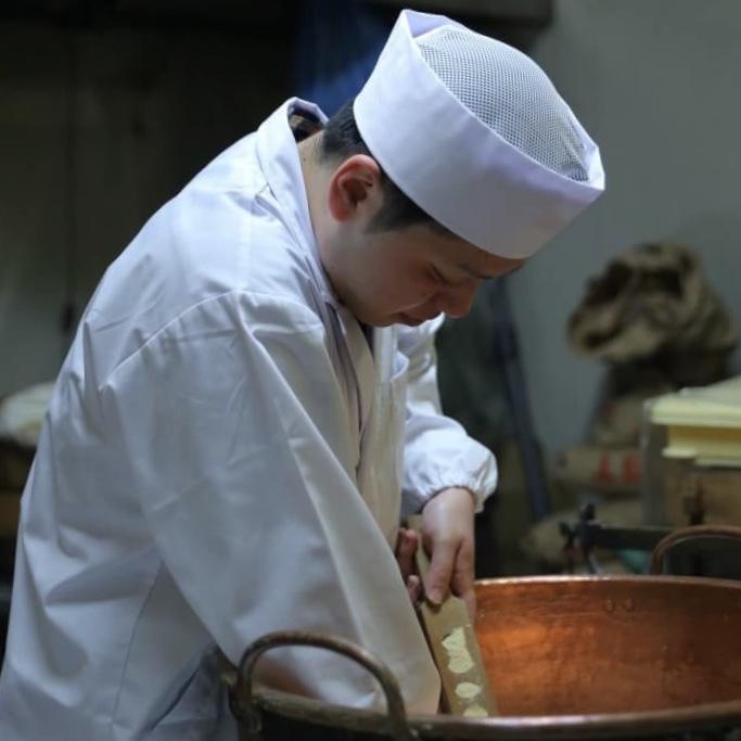 様々な木型を使った干菓子作り体験 「かぎ甚」謹製