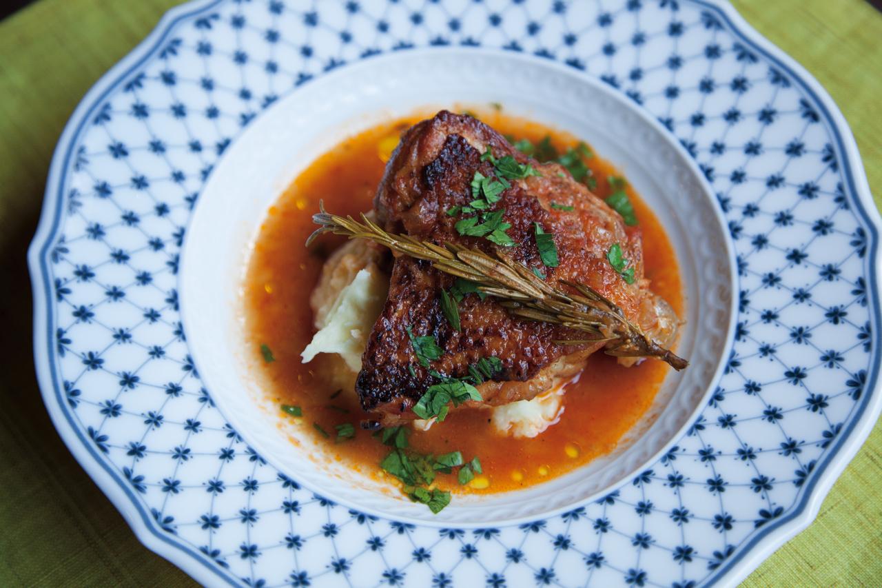 鶏の煮込み漁師風 苺のロールケーキ
